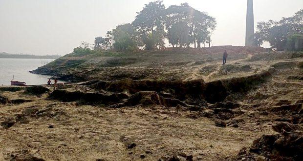 সুনামগঞ্জের ব্রাহ্মণগাঁওয়ে নদীর তীর কেটে ইট তৈরী করায় হুমকির মুখে কয়েকটি গ্রাম
