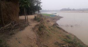 সুনামগঞ্জের বিশ্বম্ভরপুরে শাখা যাদুকাটা নদীর ভাঙ্গন: বিলিনের পথে বাগগাঁও-ডালারপাড় গ্রাম